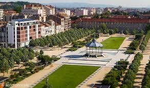 Valence, de mengelmoes van stijlen