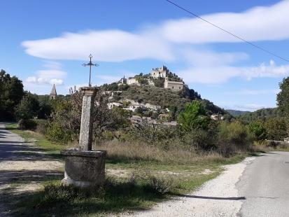 Het kasteel van Entrechaux (wandeling)